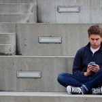 texting-teenager